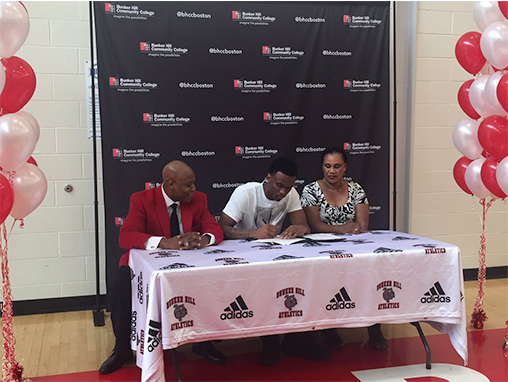 Tweet showing Fredens signing his letter of intent