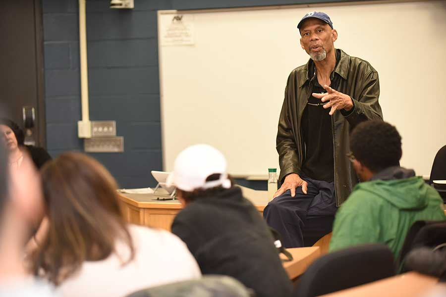 Kareem Abdul-Jabbar talking to students